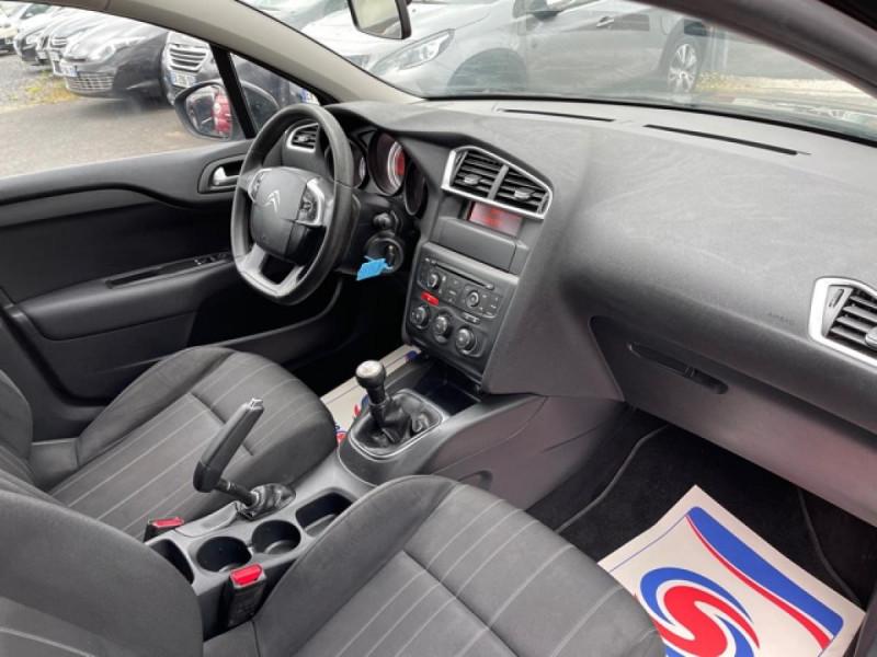 Photo 14 de l'offre de CITROEN C4 1.6 HDI 90 ATTRACTION CLIM DISTRI OK à 5350€ chez Triplo auto