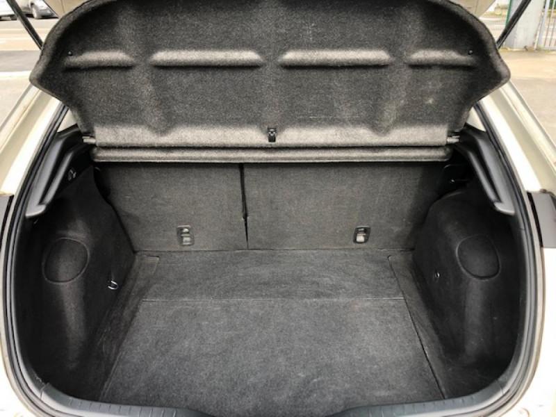 Photo 9 de l'offre de HONDA CIVIC 1.8 I-VTEC  SPORT  à 6490€ chez Triplo auto
