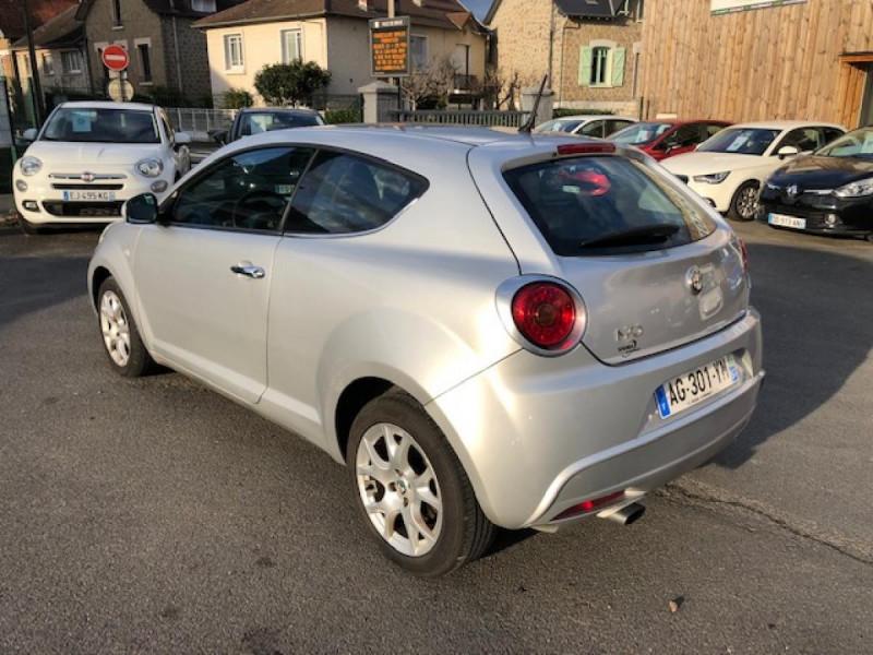 Photo 2 de l'offre de ALFA ROMEO MITO 1.3JTDM-95 S/S DISTINCTIVE CUIR CLIM à 5990€ chez Triplo auto