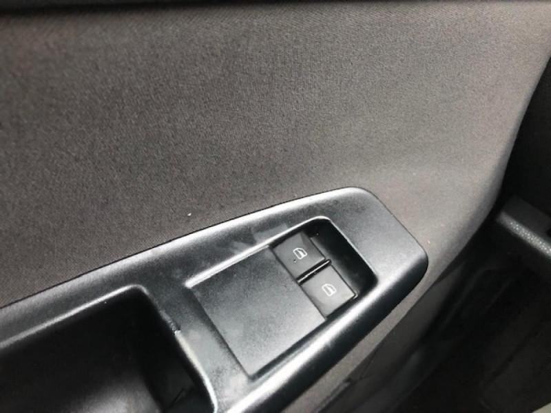Photo 17 de l'offre de VOLKSWAGEN POLO 1.4TDI75 TREND CLIM ATTELAGE GAR3MOIS à 4990€ chez Triplo auto