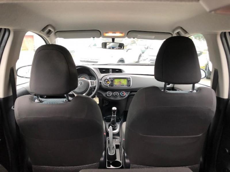 Photo 10 de l'offre de TOYOTA YARIS 1.4D-4D90 DYNAMIC GPS CAMERA ATTELAGE 1ERE MAIN à 6490€ chez Triplo auto