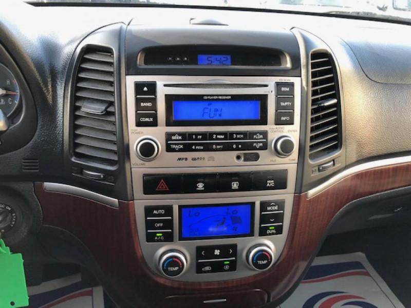 Photo 16 de l'offre de HYUNDAI SANTA FE 2.2 CRDI 155 4X4 7PL EXECUTIVE CUIR RADAR RECUL à 8990€ chez Triplo auto