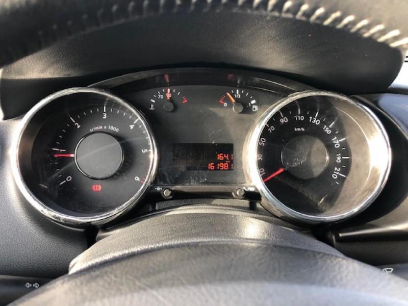 Photo 17 de l'offre de PEUGEOT 3008  1.6HDI 110 PREMIUM DISTRI OK  CLIM RADAR AR à 6490€ chez Triplo auto