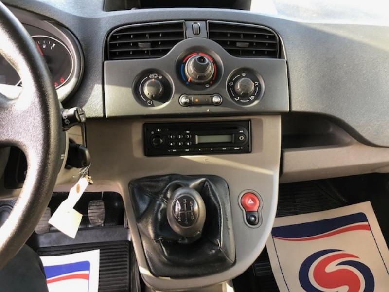 Photo 14 de l'offre de RENAULT KANGOO L1 1.5 DCI - 70  II EXPRESS FOURGON CONFORT CLIM à 6490€ chez Triplo auto