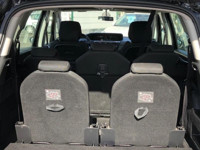 Photo 17 de l'offre de CITROEN C4 PICASSO 1.6 BHDI 120 7PLACES S&S INTENSIVE GPS RADAR à 13390€ chez Triplo auto
