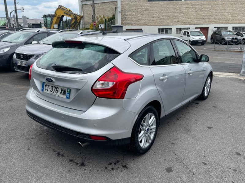 Photo 5 de l'offre de FORD FOCUS 2.0TDCI115-BVA POWERSHIFT  TITANIUM CLIM RADAR à 8990€ chez Triplo auto