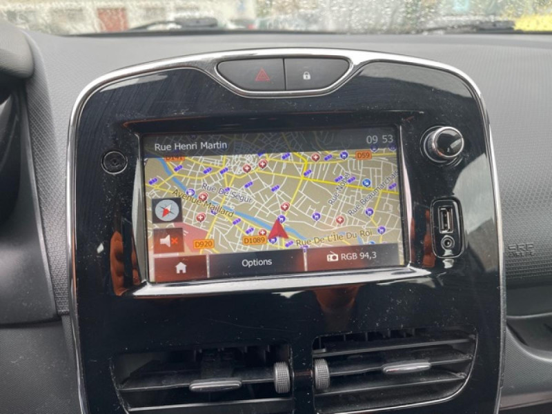 Photo 18 de l'offre de RENAULT CLIO 1.5DCI-90ZEN GPS DISTRI OK à 8490€ chez Triplo auto