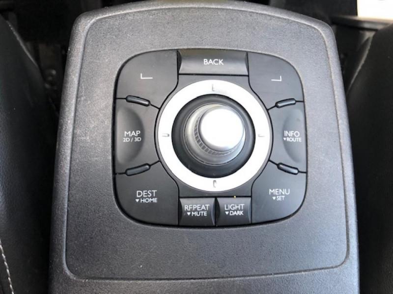 Photo 20 de l'offre de RENAULT SCENIC BOSE 1.6DCI 130  GPS  à 6990€ chez Triplo auto