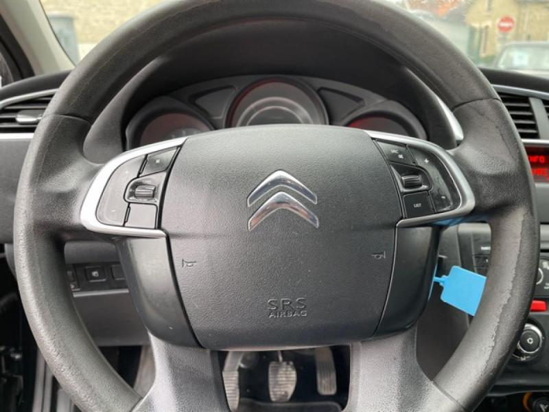 Photo 18 de l'offre de CITROEN C4 1.6 HDI 90 ATTRACTION CLIM DISTRI OK à 5350€ chez Triplo auto