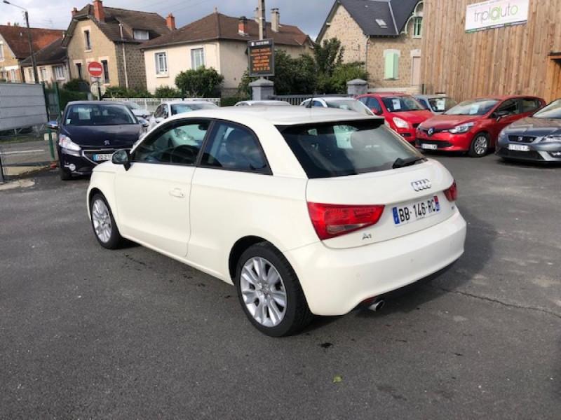 Photo 3 de l'offre de AUDI A1 1.6TDI105  AMBITION CLIM RADAR DISTRI OK à 8990€ chez Triplo auto