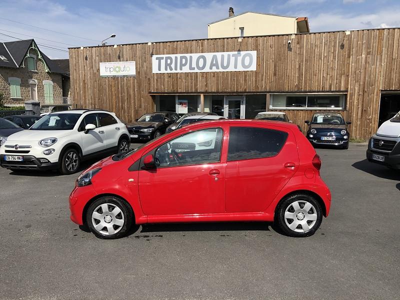 Photo 2 de l'offre de TOYOTA AYGO 1.0 68 CONFORT CLIM 5PORTES GAR3MOIS à 3490€ chez Triplo auto