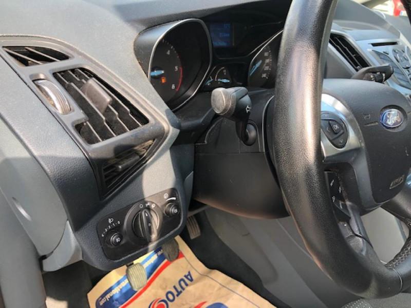 Photo 18 de l'offre de FORD C MAX 1.6 TDCI 95 TITANIUM 96343KM   ATTELAGE à 7990€ chez Triplo auto