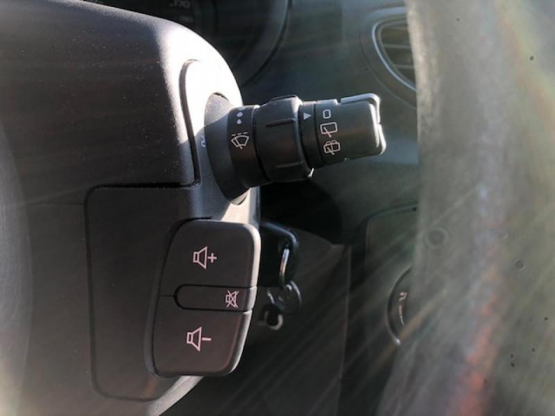Photo 17 de l'offre de RENAULT CLIO 1.2I 75 DYNAMIQUE CLIM 71000KM DISTRI OK   CT OK à 5490€ chez Triplo auto