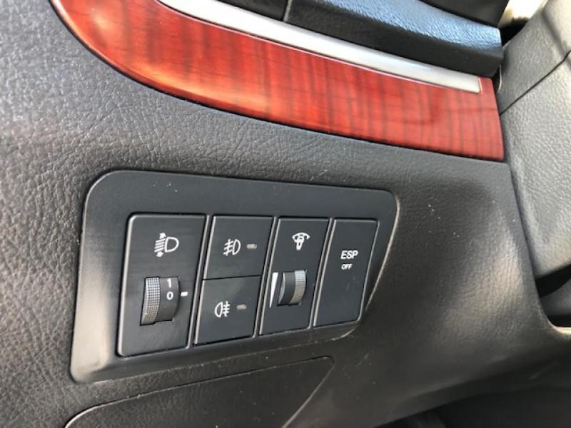 Photo 20 de l'offre de HYUNDAI SANTA FE 2.2 CRDI 155 4X4 7PL EXECUTIVE CUIR RADAR RECUL à 8990€ chez Triplo auto
