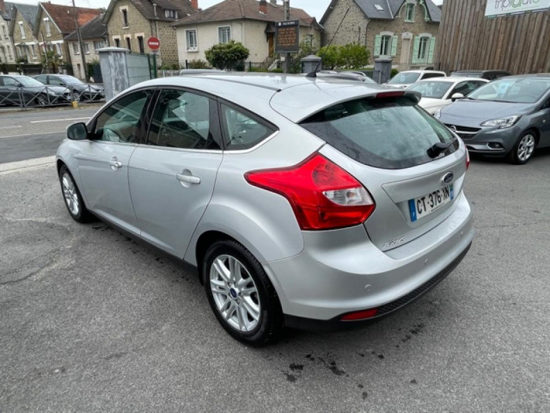 Photo 3 de l'offre de FORD FOCUS 2.0TDCI115-BVA POWERSHIFT  TITANIUM CLIM RADAR à 8990€ chez Triplo auto