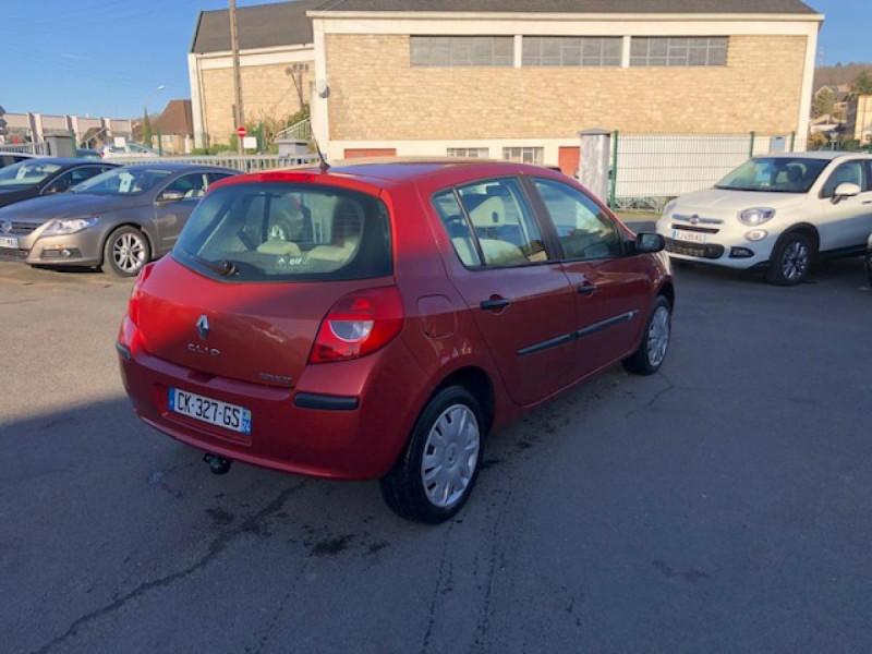 Photo 4 de l'offre de RENAULT CLIO 1.2I 75 DYNAMIQUE CLIM 71000KM DISTRI OK   CT OK à 5490€ chez Triplo auto