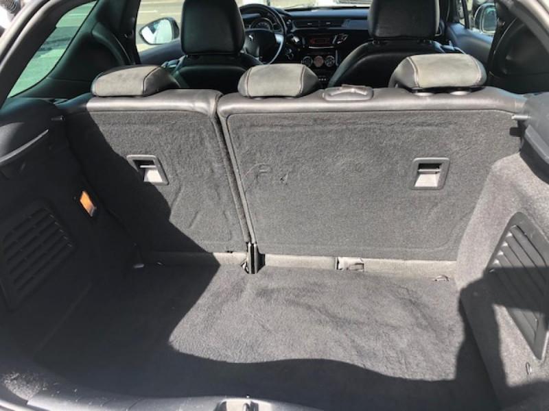 Photo 9 de l'offre de DS DS3  1.6THP155 SPORT CHIC CLIM RADAR REGULATEUR LIMITEUR DE VITESSE  CHAINE DE DISTRIBUTION NEUVE à 7490€ chez Triplo auto