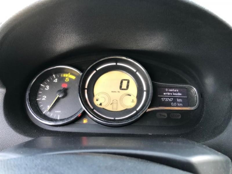 Photo 19 de l'offre de RENAULT MEGANE 1.5 DCI105 DYNAMIQUE CLIM   DISTRI OK   1ERE MAIN à 5490€ chez Triplo auto