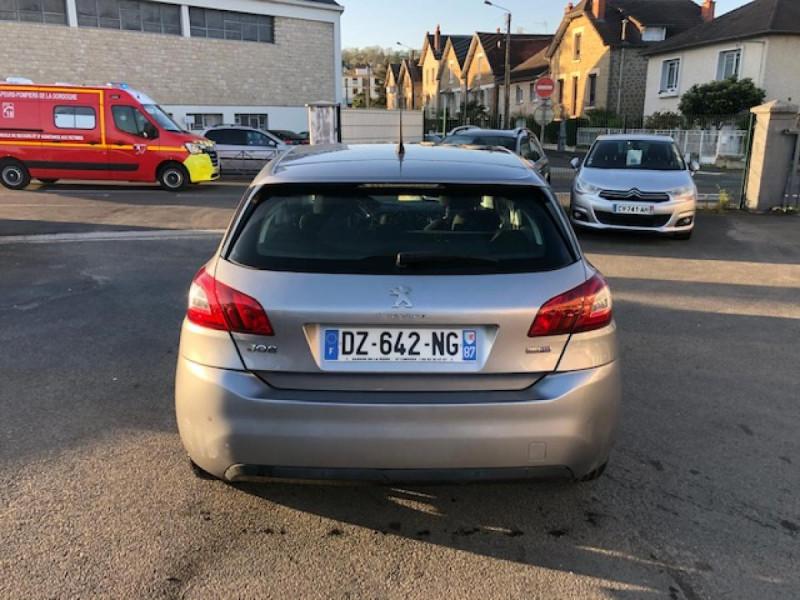 Photo 4 de l'offre de PEUGEOT 308  1.6 BLUEHDI S&S - 100  ACTIVE BUSINESS GPS  à 10850€ chez Triplo auto
