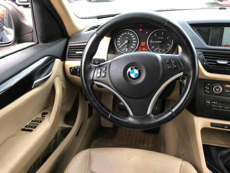 Photo 18 de l'offre de BMW X1  XDRIVE 204CV 23D E84 LUXE 4X4  à 9490€ chez Triplo auto