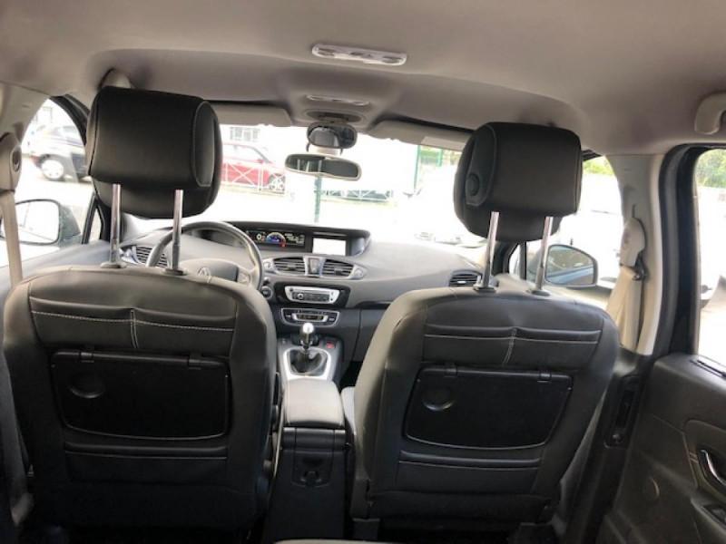 Photo 10 de l'offre de RENAULT SCENIC BOSE 1.6DCI 130  GPS  à 6990€ chez Triplo auto