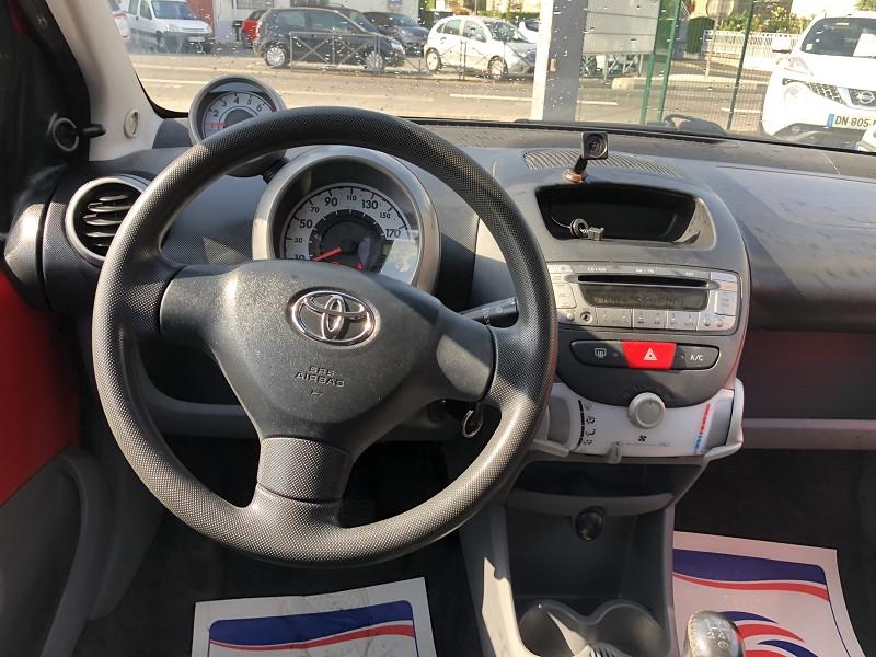 Photo 12 de l'offre de TOYOTA AYGO 1.0 68 CONFORT CLIM 5PORTES GAR3MOIS à 3490€ chez Triplo auto