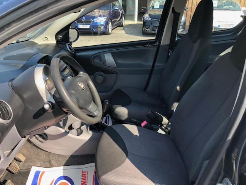 Photo 13 de l'offre de TOYOTA AYGO 1.4 D  CONFORT CLIM 5P à 2990€ chez Triplo auto