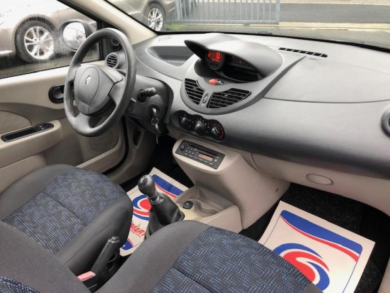 Photo 13 de l'offre de RENAULT TWINGO 1.2I 75 AUTHENTIQUE CLIM 1ERE MAIN DISTRI OK à 4250€ chez Triplo auto