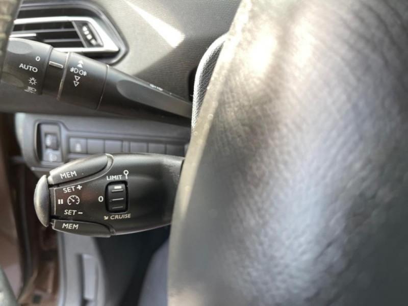 Photo 18 de l'offre de PEUGEOT 308  1.6 HDI 92 BUSINESS GPS   CARNET ENTRETIEN A JOUR à 9490€ chez Triplo auto