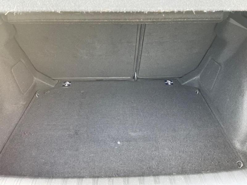 Photo 9 de l'offre de PEUGEOT 308  1.6 HDI 92 BUSINESS GPS   CARNET ENTRETIEN A JOUR à 9490€ chez Triplo auto