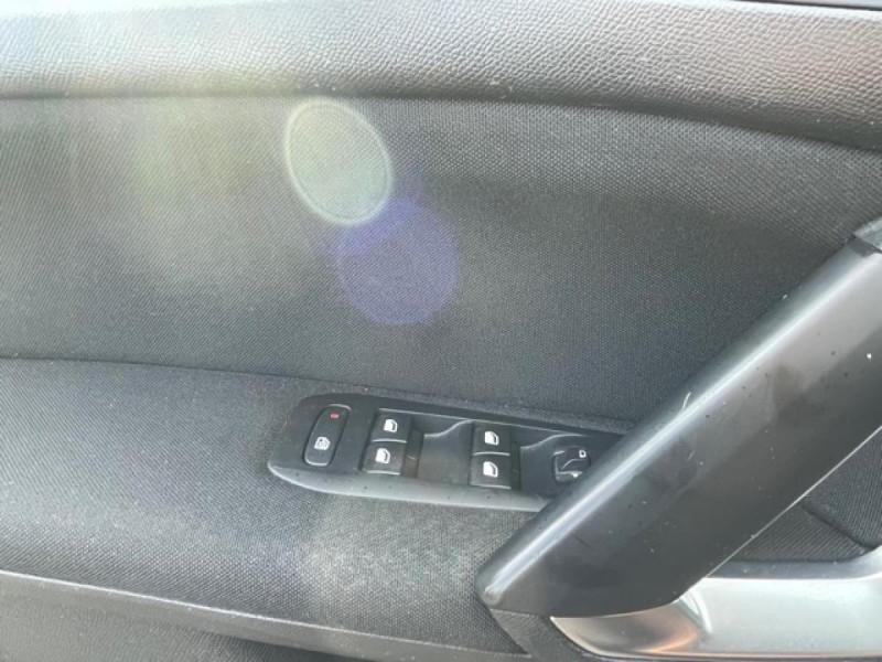 Photo 21 de l'offre de PEUGEOT 308  1.6 HDI 92 BUSINESS GPS   CARNET ENTRETIEN A JOUR à 9490€ chez Triplo auto