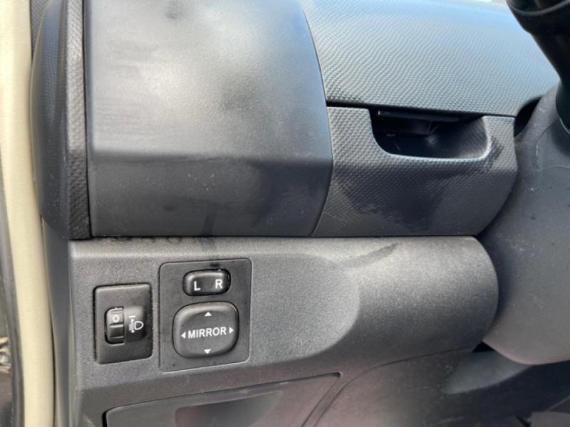 Photo 21 de l'offre de TOYOTA YARIS 1.3VVT-I 100 MILLENIUM CLIM 5P à 5490€ chez Triplo auto
