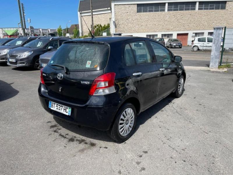 Photo 5 de l'offre de TOYOTA YARIS 1.3VVT-I 100 MILLENIUM CLIM 5P à 5490€ chez Triplo auto