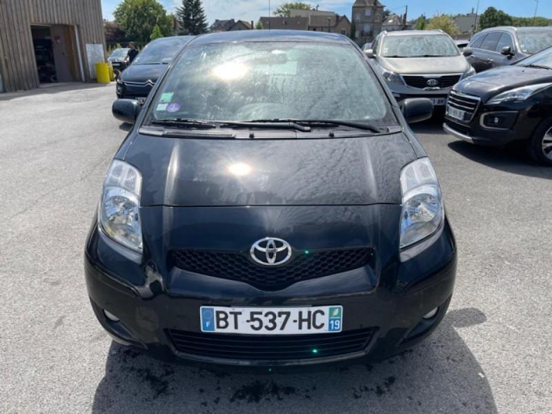 Photo 8 de l'offre de TOYOTA YARIS 1.3VVT-I 100 MILLENIUM CLIM 5P à 5490€ chez Triplo auto