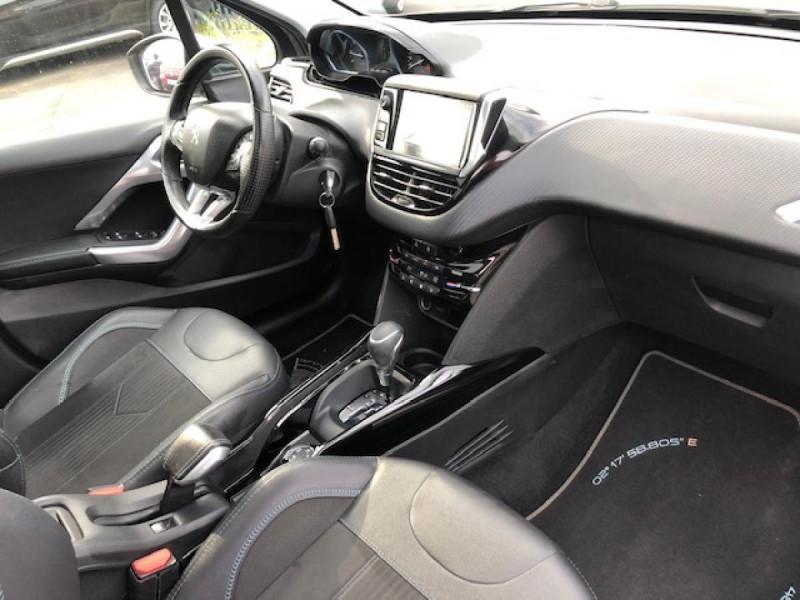 Photo 14 de l'offre de PEUGEOT 2008  1.2I PURETECH 110S&S EAT6 CROSSWAY 1ERE MAIN GPS CAMERA REGULATEUR BOITE AUTO  à 13990€ chez Triplo auto
