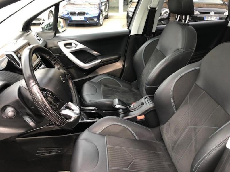 Photo 13 de l'offre de PEUGEOT 2008  1.2I PURETECH 110S&S EAT6 CROSSWAY 1ERE MAIN GPS CAMERA REGULATEUR BOITE AUTO  à 13990€ chez Triplo auto