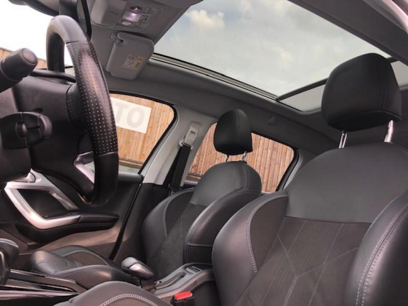 Photo 17 de l'offre de PEUGEOT 2008  1.2I PURETECH 110S&S EAT6 CROSSWAY 1ERE MAIN GPS CAMERA REGULATEUR BOITE AUTO  à 13990€ chez Triplo auto