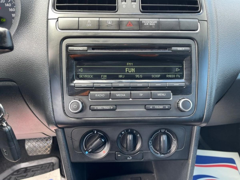 Photo 18 de l'offre de VOLKSWAGEN POLO 1.6 TDI 90 DSG BVA TRENDLINE  à 8490€ chez Triplo auto