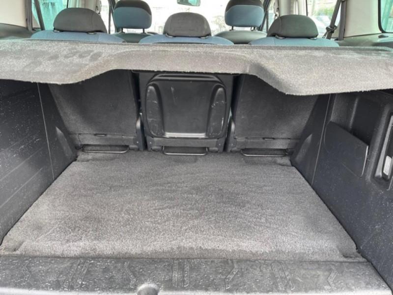 Photo 8 de l'offre de CITROEN BERLINGO 1.6 HDI-92 XTR CLIM 5PLACES DISTRI OK à 7350€ chez Triplo auto