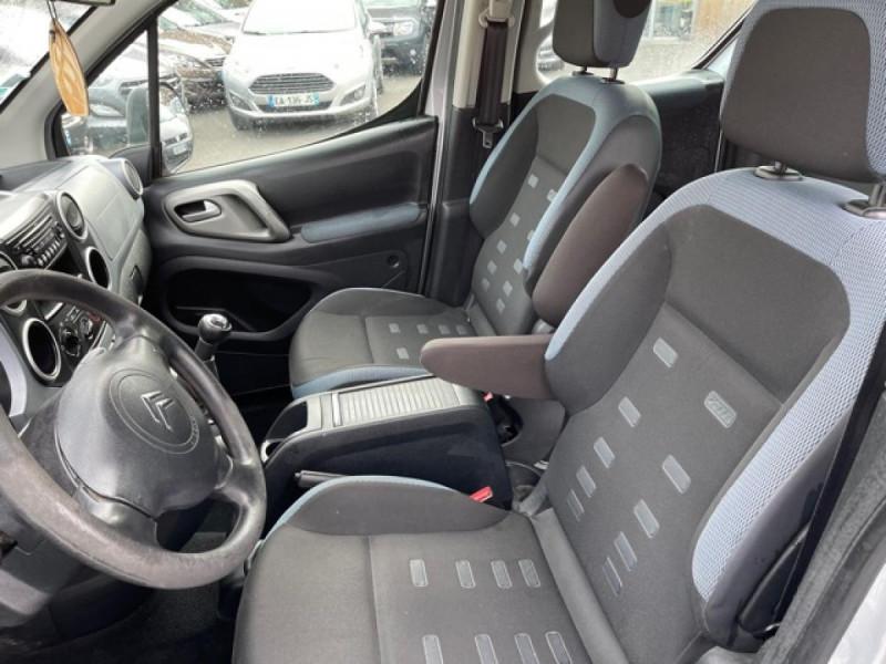 Photo 12 de l'offre de CITROEN BERLINGO 1.6 HDI-92 XTR CLIM 5PLACES DISTRI OK à 7350€ chez Triplo auto