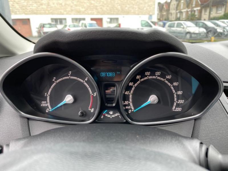 Photo 17 de l'offre de FORD FIESTA 1.5 TDCI-95 TITANIUM CLIM à 8990€ chez Triplo auto