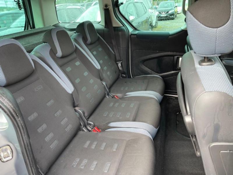 Photo 14 de l'offre de CITROEN BERLINGO 1.6 HDI-92 XTR CLIM 5PLACES DISTRI OK à 7350€ chez Triplo auto