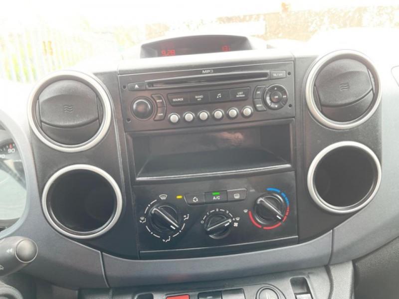 Photo 17 de l'offre de CITROEN BERLINGO 1.6 HDI-92 XTR CLIM 5PLACES DISTRI OK à 7350€ chez Triplo auto