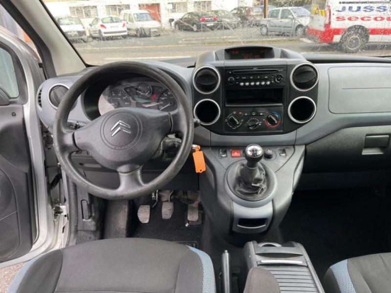 Photo 13 de l'offre de CITROEN BERLINGO 1.6 HDI-92 XTR CLIM 5PLACES DISTRI OK à 7350€ chez Triplo auto