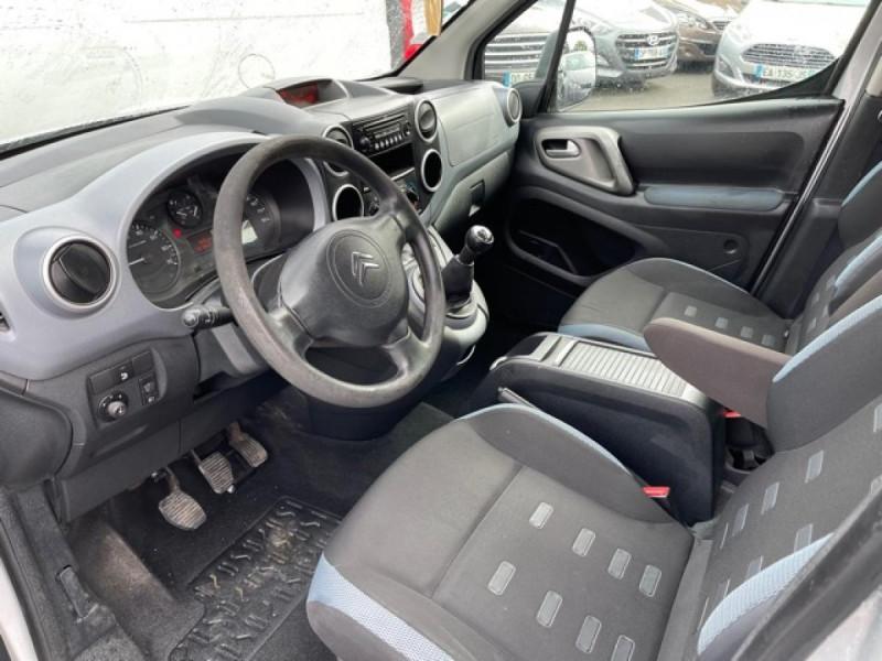 Photo 11 de l'offre de CITROEN BERLINGO 1.6 HDI-92 XTR CLIM 5PLACES DISTRI OK à 7350€ chez Triplo auto