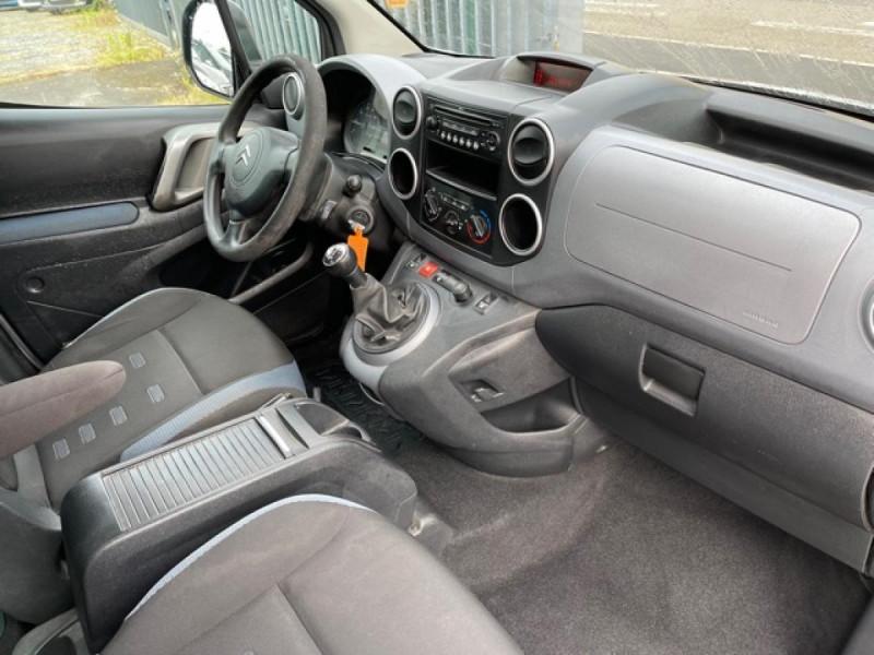 Photo 15 de l'offre de CITROEN BERLINGO 1.6 HDI-92 XTR CLIM 5PLACES DISTRI OK à 7350€ chez Triplo auto