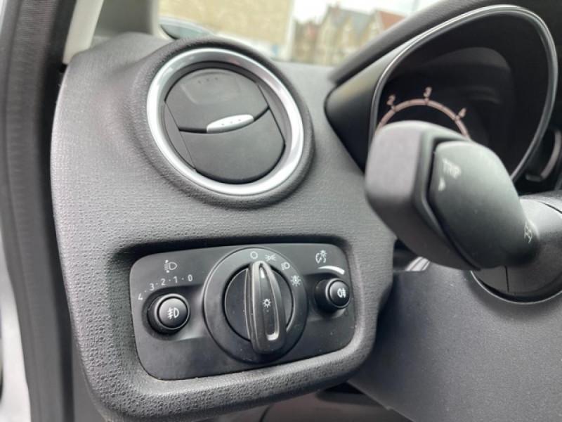 Photo 20 de l'offre de FORD FIESTA 1.5 TDCI-95 TITANIUM CLIM à 8990€ chez Triplo auto