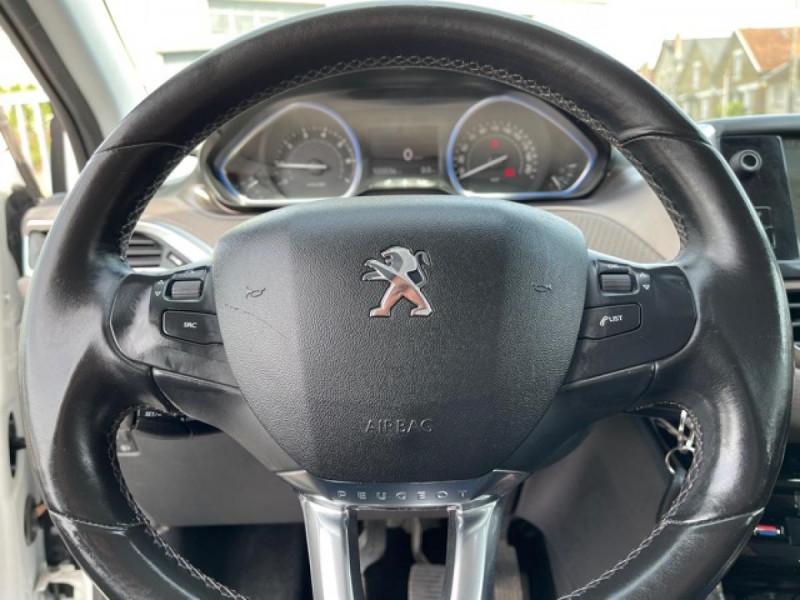 Photo 21 de l'offre de PEUGEOT 2008  1.2 VTI 82 ALLURE GPS CLIM RADAR AR à 7490€ chez Triplo auto