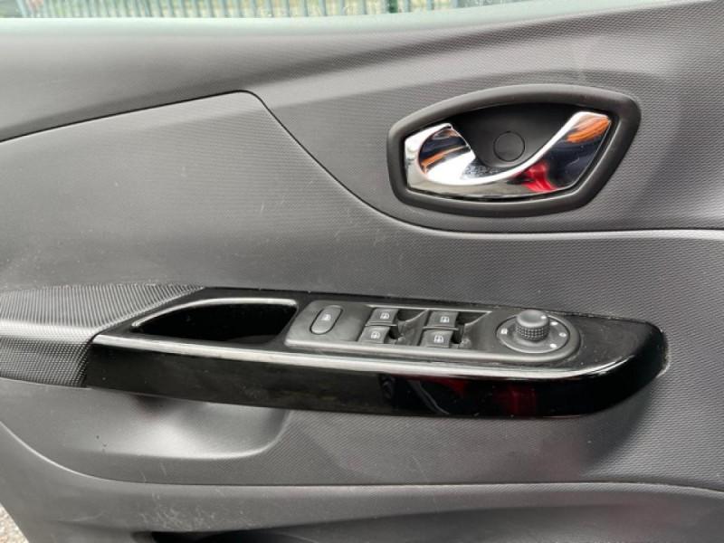Photo 22 de l'offre de RENAULT CAPTUR 1.5 DCI-110  HELLY HANSEN GPS CAMERA 1ERE MAIN à 7990€ chez Triplo auto