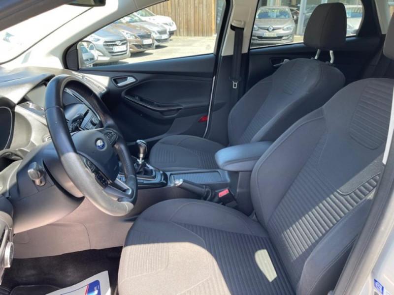Photo 13 de l'offre de FORD FOCUS 1.0 SCTI 125 TITANIUM  RADAR AV AR   GPS,  ECOBOOST à 11490€ chez Triplo auto